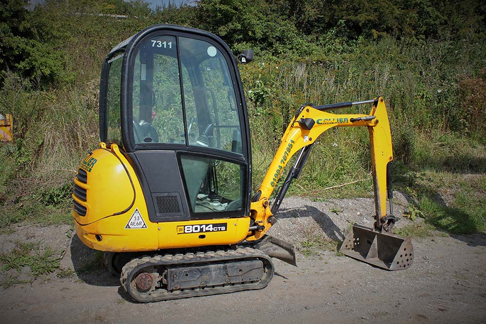 1.5 Tonne Excavator for Hire in Yorkshire